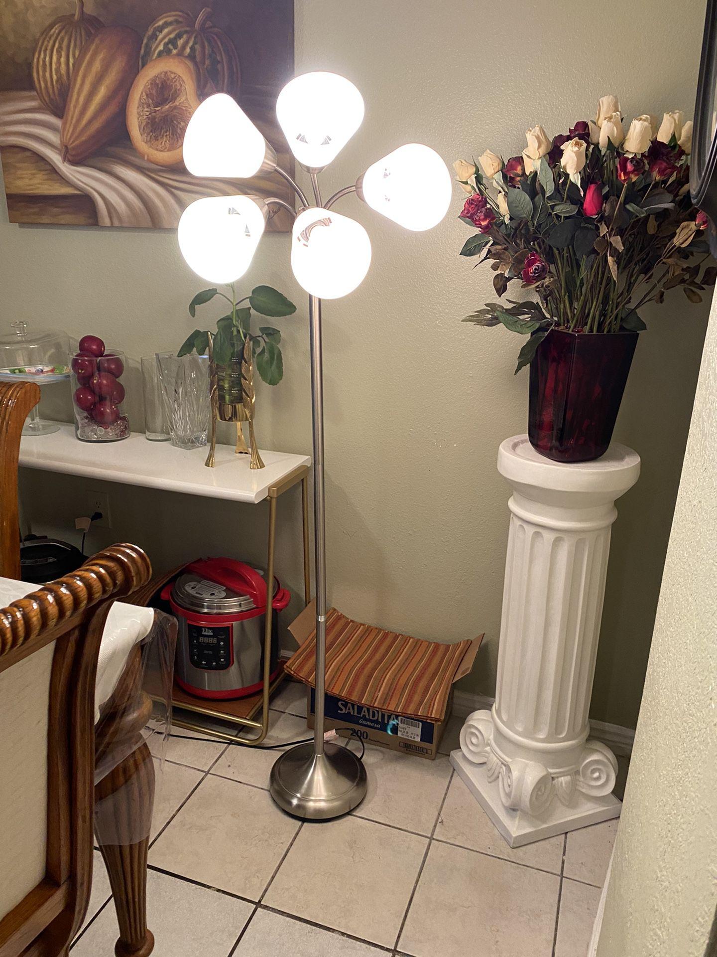 "FLOOR  3 WAYS LAMP 66"" H. NORMAL  WEAR $40.00 ENGLISH -SPANISH"