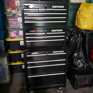 Photo Craftsman 13 Drawer Quiet Glide Tool Chest