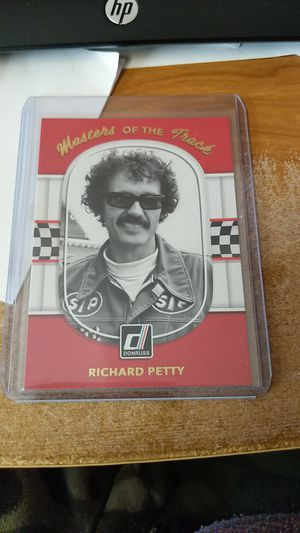Photo 2018 Donruss Masters of the Track Richard Petty card #MT2