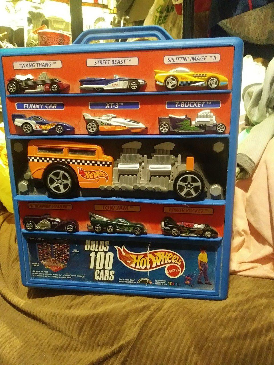 Hotwheels 100 car carrying case