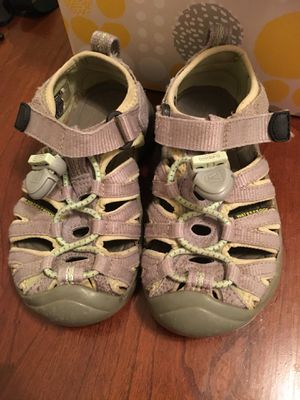 Keen water shoes - toddler sandals size 8 for Sale in Falls Church, VA