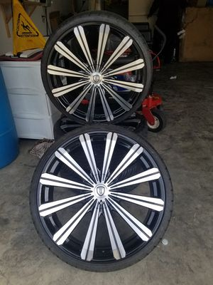 22in rims 5 lug off of Chrysler 200 c for Sale in Nashville, TN