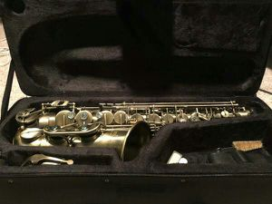 Lade Alto Saxophone Vintage Lacquer - Like New for Sale in Orlando, FL