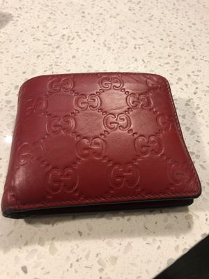 Gucci Red Signature Wallet for Sale in Orlando, FL