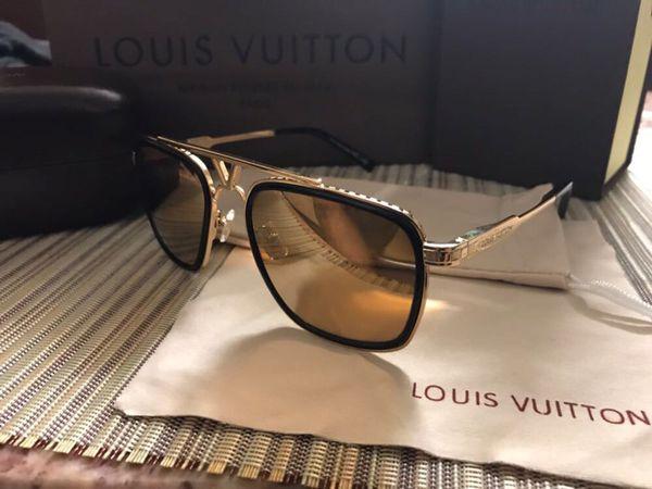 gedetailleerde afbeeldingen redelijk geprijsd koop het beste Louis Vuitton district sunglasses for Sale in Sunnyvale, CA - OfferUp
