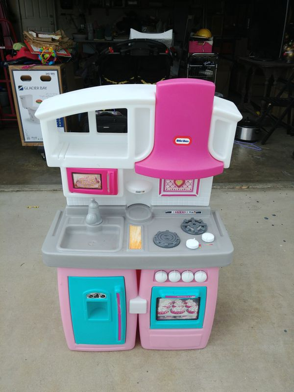 Little Tikes Play Kitchen for Sale in Ontario, CA - OfferUp