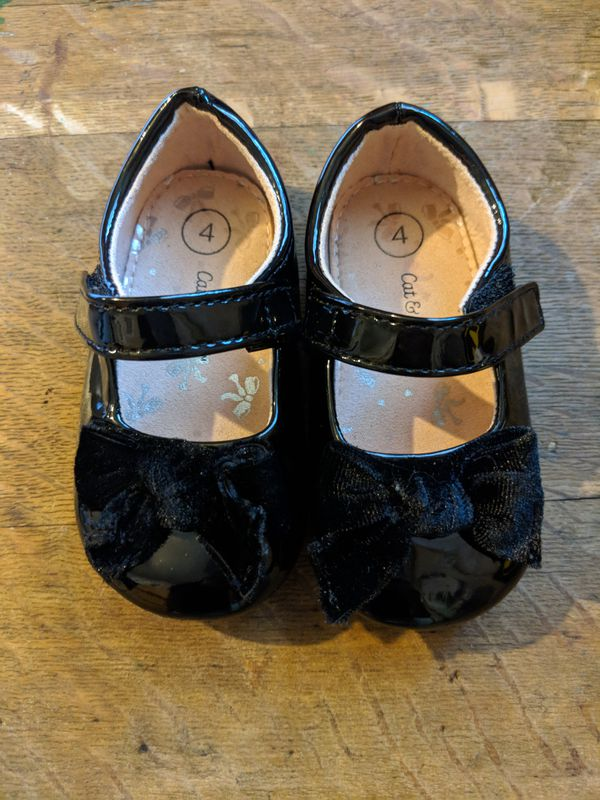Little Girl Shoes Size 4c For Sale In Hillsboro Or Offerup