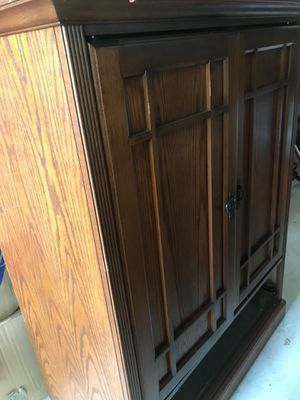 Tv armoire for Sale in East Windsor, NJ