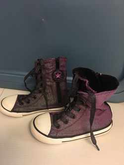 Girls Converse Shoes Sz.10 Great Cond. Thumbnail