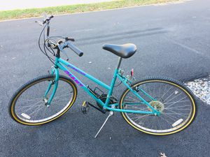 Giant Attraction Bike for Sale in Stone Ridge, VA