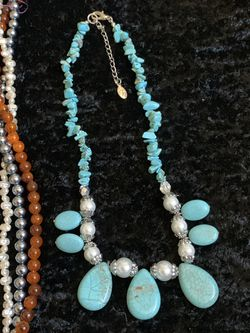 Set Of 5 beautiful necklaces Thumbnail
