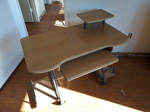Desk.. for Sale in Orlando, FL