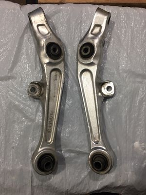 DISCOUNTED/SALE - Infiniti/Nissan Front LH/RH Lower Control Arms Set (Suspension/Axle) for Sale in Houston, TX