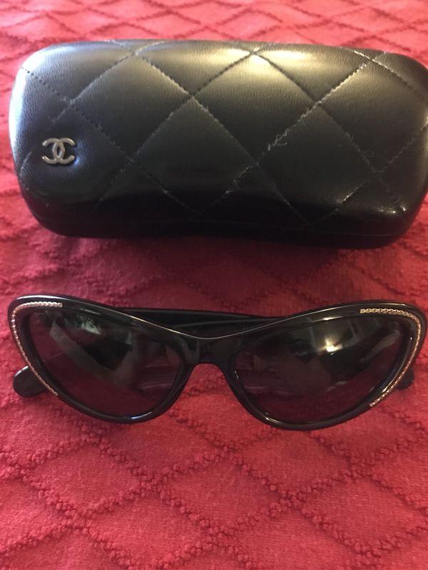 e515cc5b405 Genuine Coco Chanel Sunglasses for Sale in Arvada
