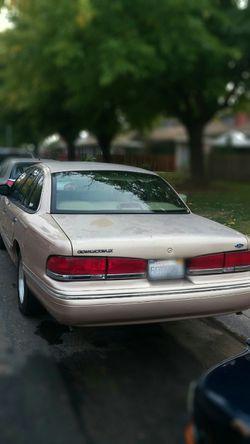 1996 Ford Crown Victoria Thumbnail