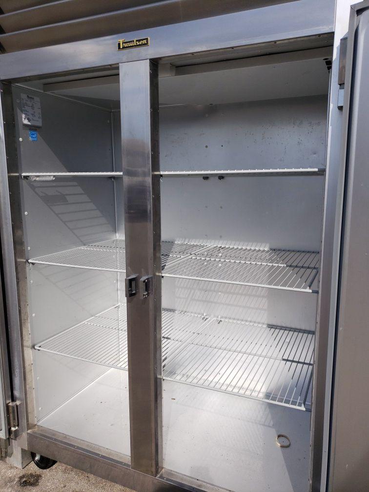 Traulsen commercial freezer l excellent condition