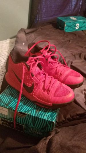 Kyrie 3 Size 4.5 Y $45 for Sale in Oviedo, FL
