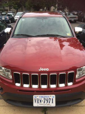 JEEP 2012 automatico 4x4 140 mil millas 4 cilindro for Sale in Springfield, VA