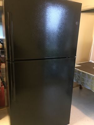 GE Refrigerator Black for Sale in Falls Church, VA