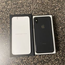 BRAND NEW IPHONE XS MAX (64GB) FACTORY UNLOCKED  (SPACE GREY) Thumbnail
