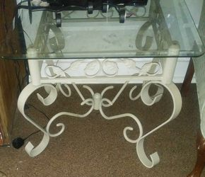 Nice floral glass center table and end table Thumbnail