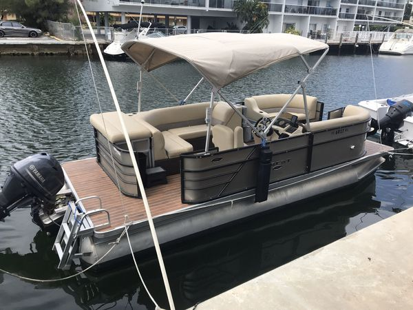 Crest Pontoon New And Used Boats For Sale
