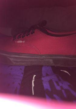 Red vans shoes Thumbnail