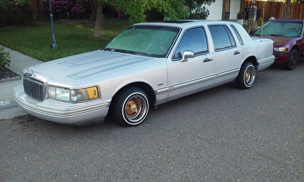 92 Lincoln Town Car (Cars & Trucks) in Sacrato, CA - OfferUp