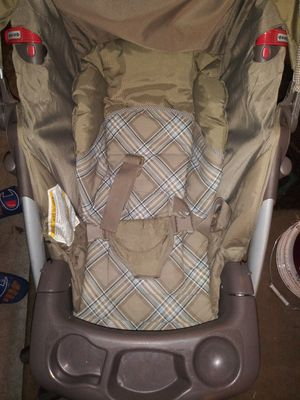 Photo Graco stroller and Delta crib