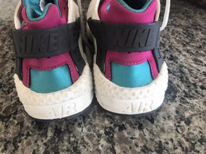 Nike hurarches size 8.5 women's for Sale in San Diego, CA