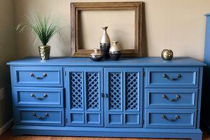 Dresser for Sale in Gainesville, VA