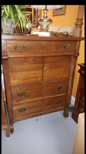 Antique dresser for Sale in Longwood, FL