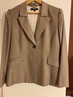 Women's suit Thumbnail