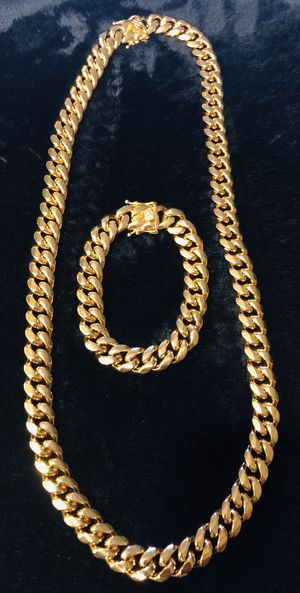 """14mm Miami Gold plated Cuban link 28"""" chain & bracelet set never fade or tarnish for Sale in San Diego, CA"""