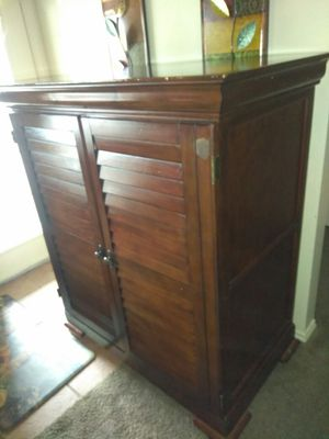 Television mueble for Sale in CO, US