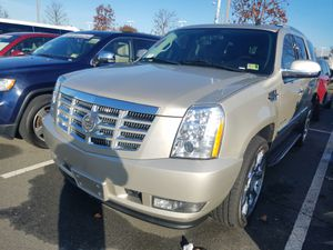 2013 CADILLAC ESCALADE LUXURY AWD NAVIGATION REAR VIEW CAMERA HEATED SEATS RUNNING BOARDS PREMIUM SOUND 91k miles for Sale in Fairfax, VA
