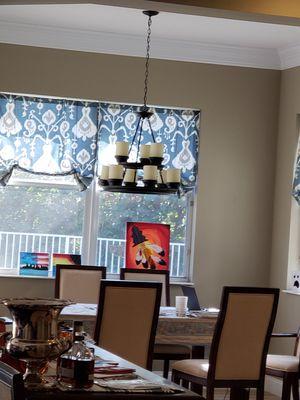 2 chandelier in great condition for Sale in Boynton Beach, FL