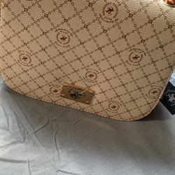Women Handbag Thumbnail