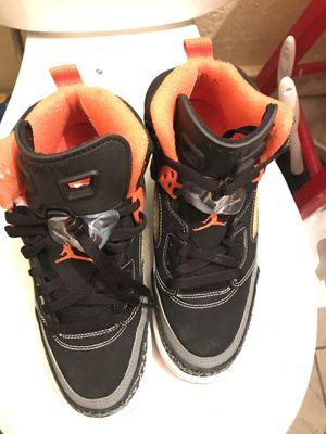 fe7dee891d34aa Jordan spizike boys size 6y like new for Sale in Opa-locka