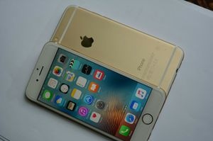 IPhone 6, 64GB, Unlocked, excellent condition for Sale in Arlington, VA