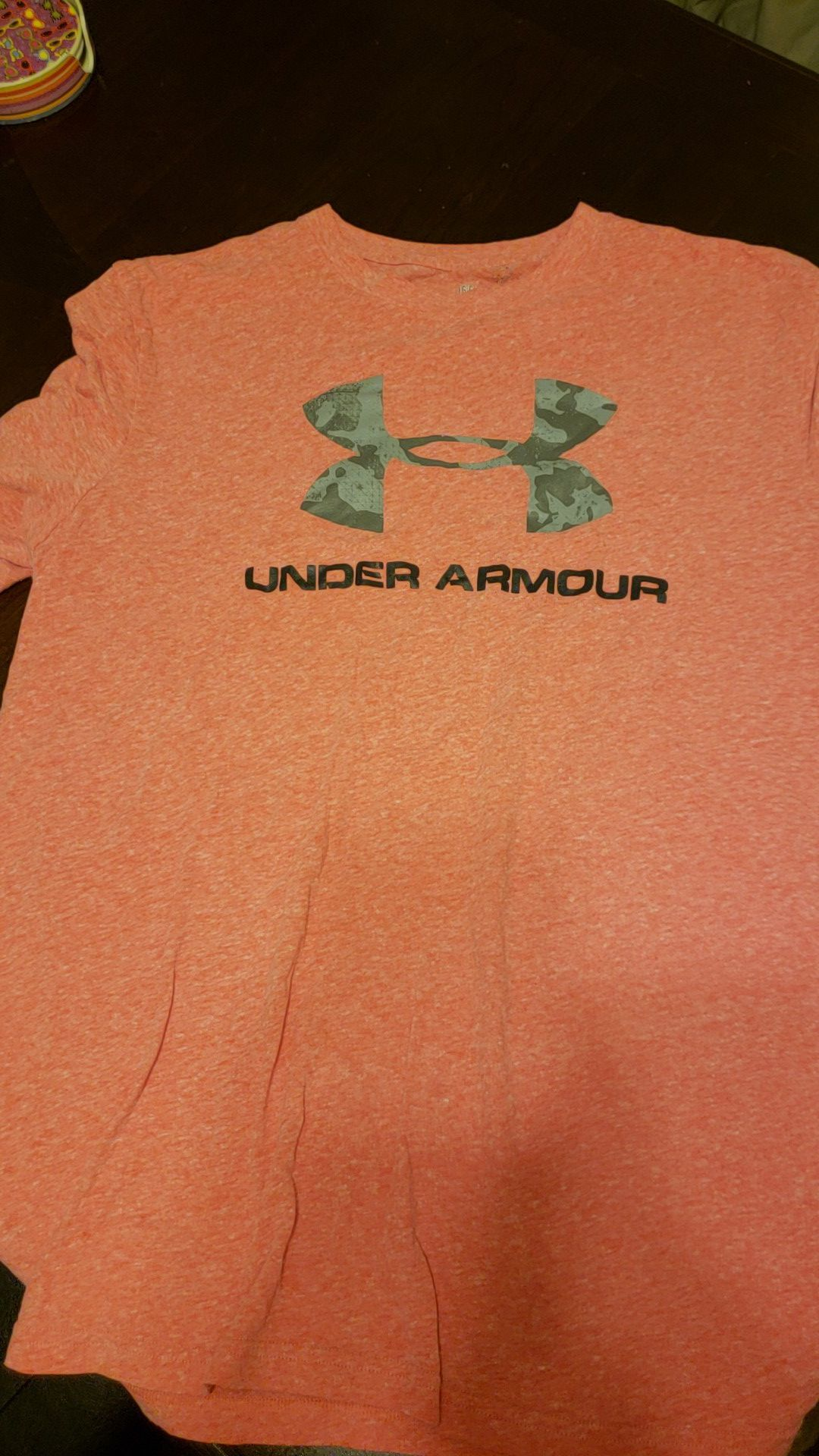 Mens large under armour t shirt. Pinkish red