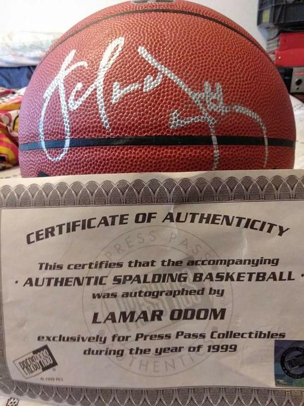 6bef7baf20f0 Lamar Odom autograph basketball for Sale in Chehalis