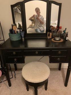 Makeup vanity Thumbnail