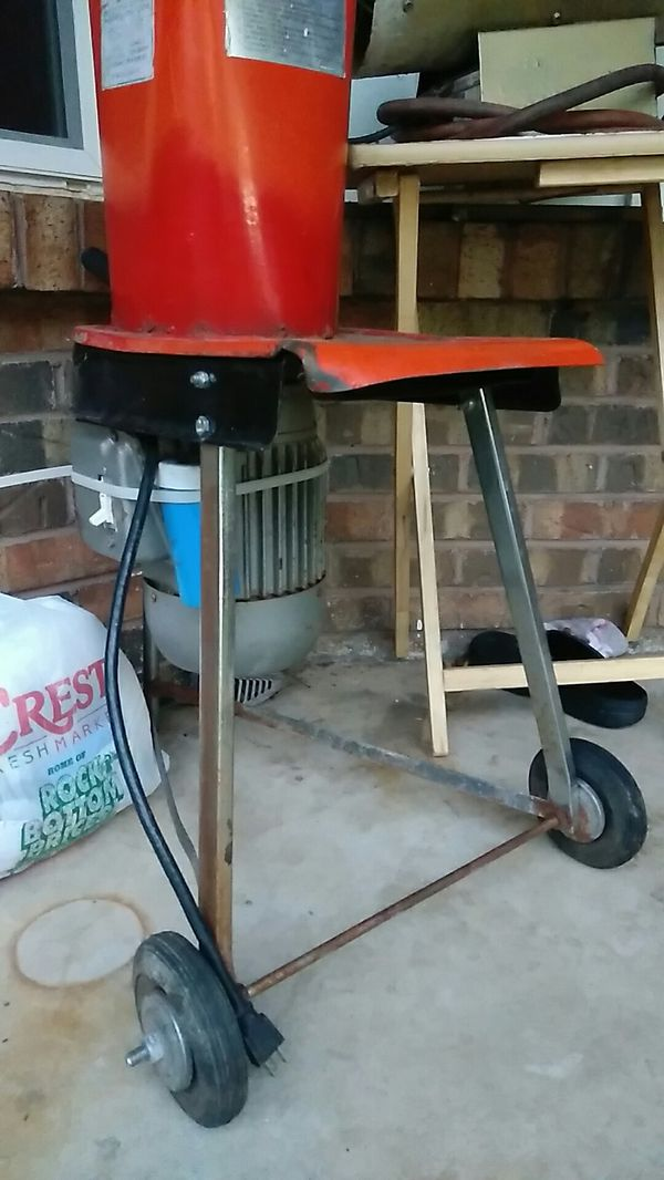 Small wood chipper for Sale in Oklahoma City, OK - OfferUp