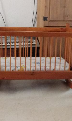 Baby crib for Sale in Lake Elsinore, CA