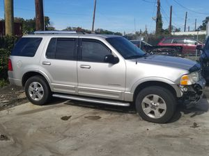 2005 Ford Explorer 3rd row for Sale in District Heights, MD