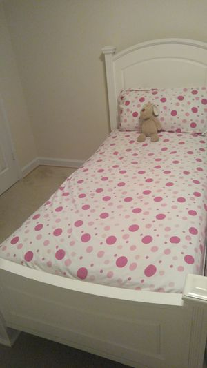 Twin bed $350 for Sale in Arlington, VA