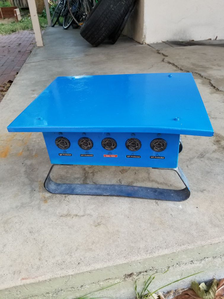 Spider box with cords