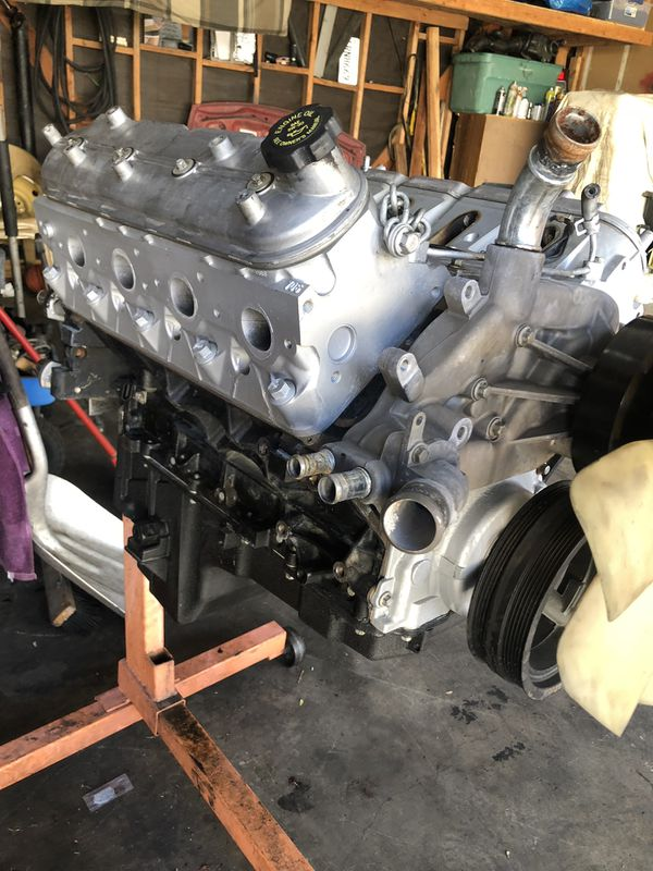 Rebuilt 5 3 Chevy engine 6months old took out of crashed surburban 2003  engine only as picture $650 for Sale in Upland, CA - OfferUp