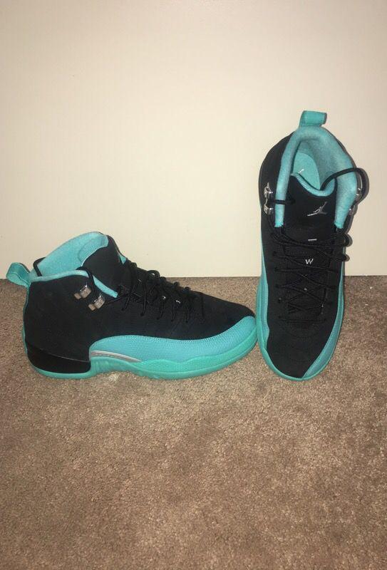 Air Jordan 12 Hyper Jade size 9Y